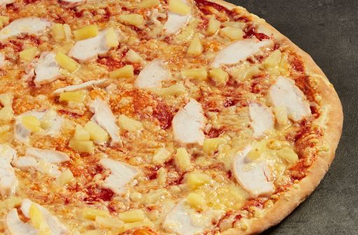 Chicken pizza with pineapple - 1 - Pica Lulū